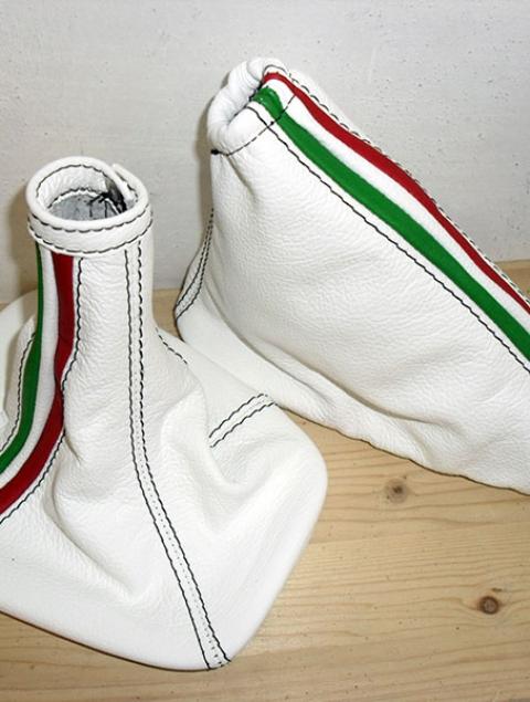 alfa romeo mito soufflet levier de vitesse et frein ò main en cuir blanc et tricolore italien